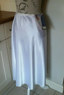 Vintage St Michael for M & S Cling Resistant Satin Slip Size 16 - 18 BNWT