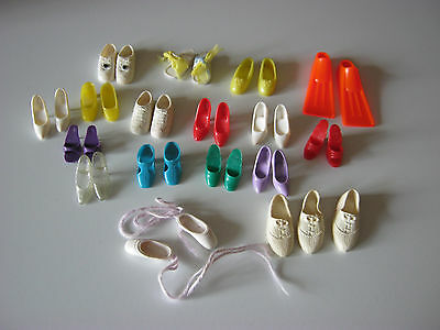 vintage lot de chaussures barbie  francie  ponytail . bubble cut american girl