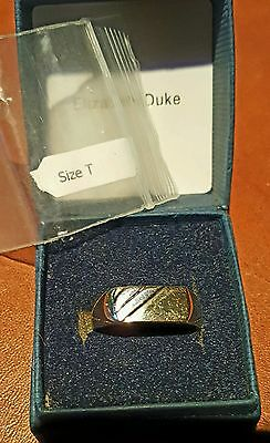Men's 9ct yellow gold 375 & white gold accent. Rectangle Signet Ring.'T' 3.0grms