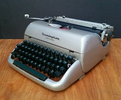 SERVICED & WORKING Remington Quiet Riter Vintage Typewriter 1950s Miracle Tab