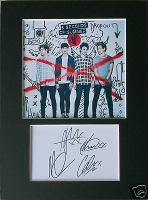 5 seconds of summer signed mounted autograph 8x6 photo print display
