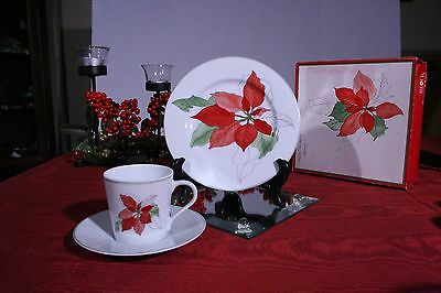 Block Spal Poinsettia 4 nut or bread & butter plates, Christmas