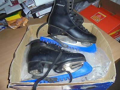 Freesport Figure skates black size 6 adults worn once expensive