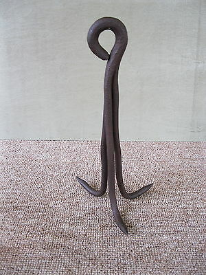 Antique One Piece Three Prong Hook Large Well Hand-forged Wrought Iron Grappling