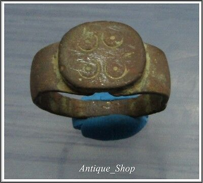 Ancient BRONZE Roman Ring with ** CIRCLES** FERTILITY**Rare