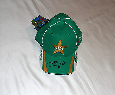 Shahid Afridi Autographed Pakistan Cricket Cap with COA