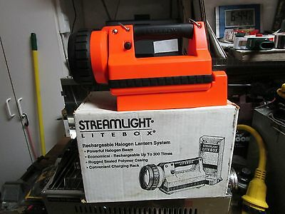 Marine-Boating-Sailing-Spotlight-Streamlight Lite Box-NEW IN BOX-Rechargeable