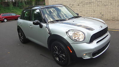 2012 Mini Cooper S Hatchback 4-Door NO RESERVE VERY CLEAN TURBO PETS AND SMOKE FREE