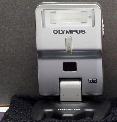 Olympus Electronic Flash FL-300R with Stand