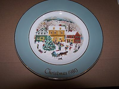 """1980 Christmas Avon 8"""" plate Country Christmas by enoch Wedgwood eighth Edition"""
