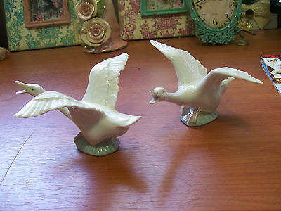 Lovely Llardro TWO GEESE. Displayed no papers