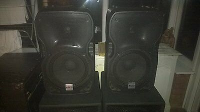 """Pre-Owned Pair Of Alto Ts112A 800 Watt 2 Way 12"""" Active Speakers With Covers"""