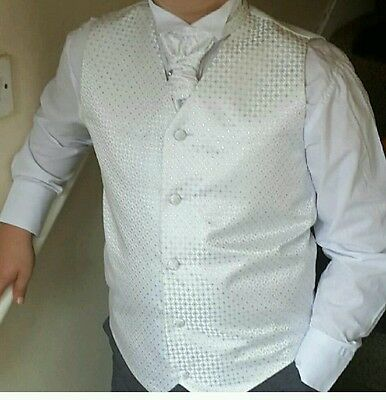 boy 4 piece suit white Christmas party 11-12years worn once
