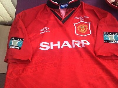 Man Utd. original 1996 fa cup final shirt CANTONA 7.