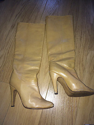 VINTAGE LIGHT CAMEL LEATHER HEELED KNEE HIGH PULL ON BOOTS SIZE APPROX 2.5 to 3