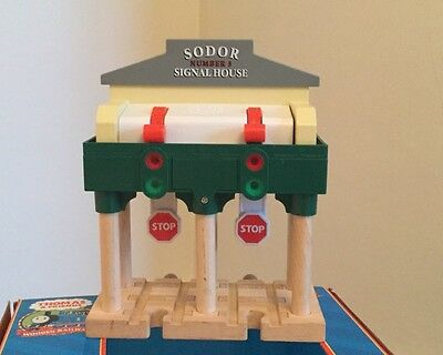 Thomas and Friends Deluxe Over-the Track Signal