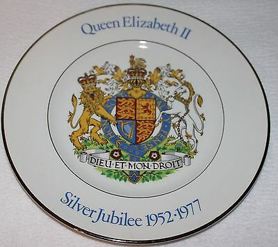 Vintage Bone China Queen Elizabeth Silver Jubilee 1952-1977 Collectable Plate