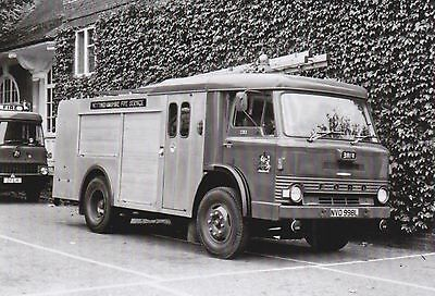 Black & White Photo of an old Nottinghamshire Fire Service Ford D Water Tender