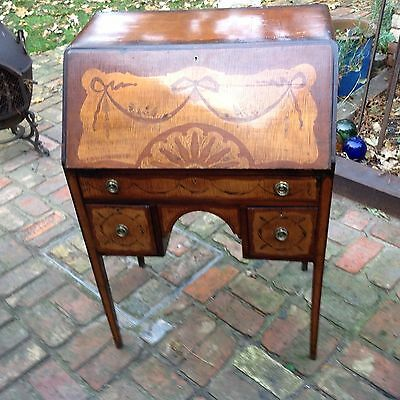 Elegant Late 19th c. Inlaid Satinwood Desk Bureau