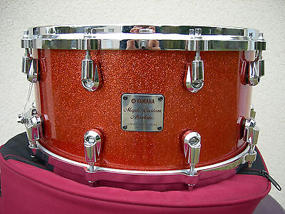 Yamaha maple custom absolute nouveau 14x7 snare drum, red sparkle