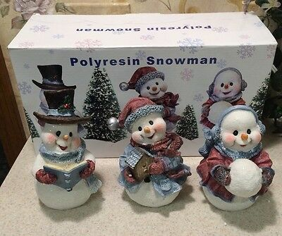 "3 Polyresin Snowmen- 6"" Tall Red Bird House Carrot Noses Mantle Christmas In Box"