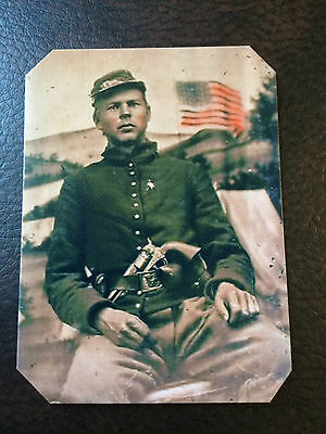 Civil War Soldier With Colt 1860 4 Screws Pistol 44 cal And Flag TinType C948NP