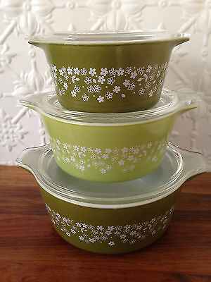 Vintage Pyrex casserole dishes & lids set of 3 green white daisy