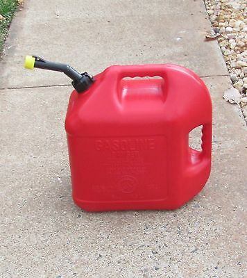 Blitz 5 Gallon Plastic Gas Fuel Can with Old Style Vented Spout and Yellow Cap