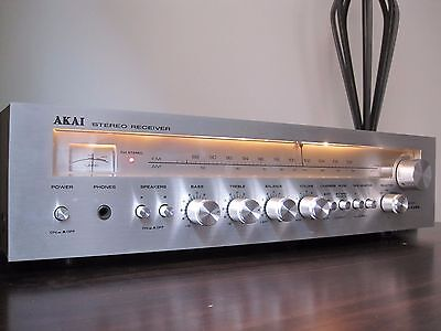 Akai Stereo Receiver/Amp & 2 Way Speaker Systems. ( Pick up only )