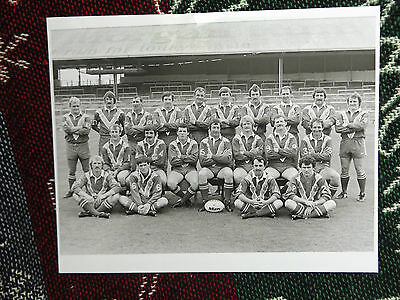 "10"" x 8"" RUGBY LEAGUE PRESS PHOTO - CARDIFF TEAM 1981-1982"