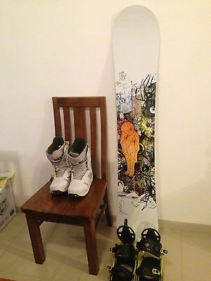 Quality Snowboard Bargain Excellent Condition With K2 bindings And Burton Boots