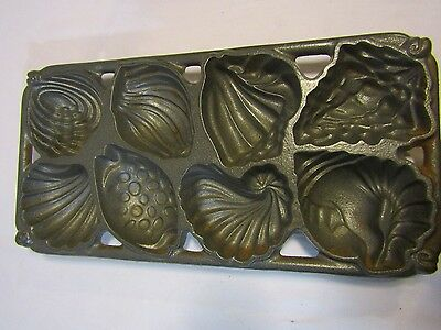 Vintage 1989 John Wright Cast Iron Metal Sea Shell Muffin Scone Mold Pan USA✞