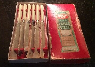 Set Of 6 Table Knives In Original Box. Sheffield Table Cutlery