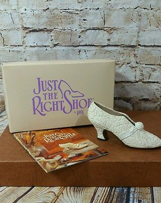 JUST THE RIGHT SHOE by Raine ~ I DO ~  #25031