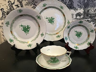 HEREND Green Chinese Bouquet Five Piece Lg Dinner Plate Place Setting NEW