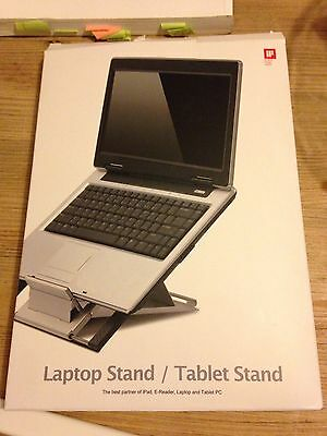 Laptop/tablet Stand