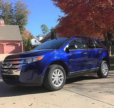 2013 Ford Edge  2013 Ford Edge FWD SE (very low mileage, excellent condition)