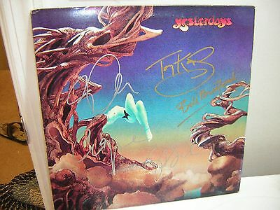 - Yes Signed Lp Yesterdays Steve Howe Jon Anderson Chris Squire