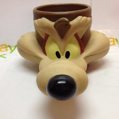 WILE E COYOTE 1982 Coffee Mug LOONEY TUNES Vintage Wylie Coyote Cup