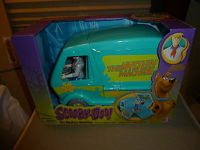 Scooby Doo Mystery Machine Play set Fred Figure Included-Brand New