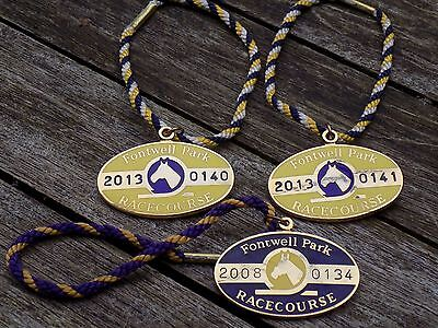 3 x FONTWELL PARK RACECOURSE Enamel Members Badges with Cords