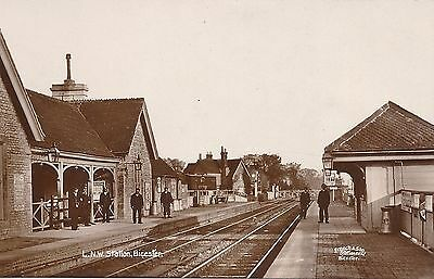 Vintage RP WHA Postcard of Bicester Railway Station