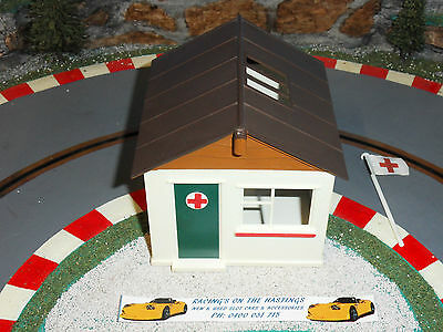 Used 1:32 Vintage Triang Scalextric A211 First Aid Hut. VGC