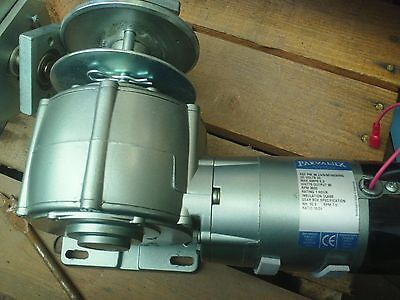 24 Volt DC motor with gearbox, ideal winch or automaton