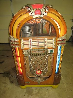 Wurlitzer 1015 Jukebox Bubbler 1946 Original Un-Restored Plays and works perfect