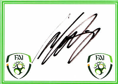 Clinton Morrison SIGNED card Eire Republic Ireland Colchester Crystal Palace