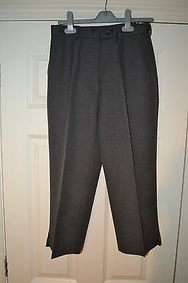 Ladies Cropped Bowling Trousers - Size 10