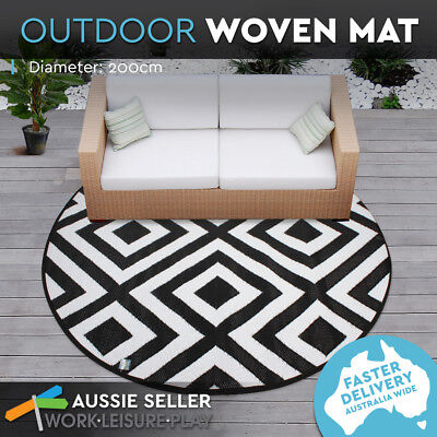 Outdoor Plastic Rug Mat Recycled Polypropylene Patio 200cm Round Black Geometric