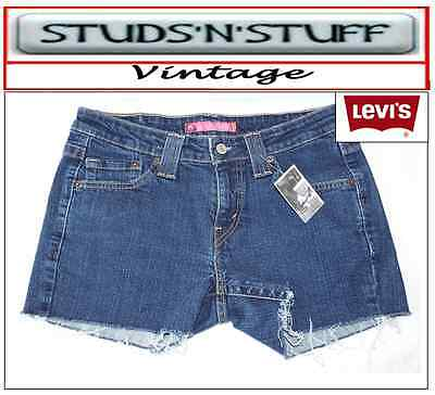 "Levis  Vintage Mid Waisted Womens Shorts  Size 32"" Aprox Size  12  ( A126 )"