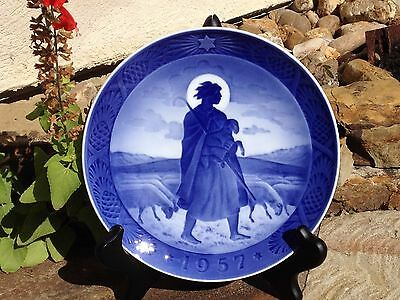 ROYAL COPENHAGEN 1957 ANNUAL CHRISTMAS PLATE 'THE GOOD SHEPHERD'  by H. Hansen